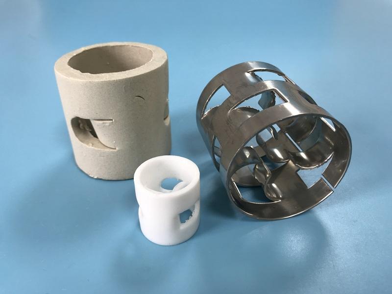 陶瓷鲍尔环的装填量及其装填方法