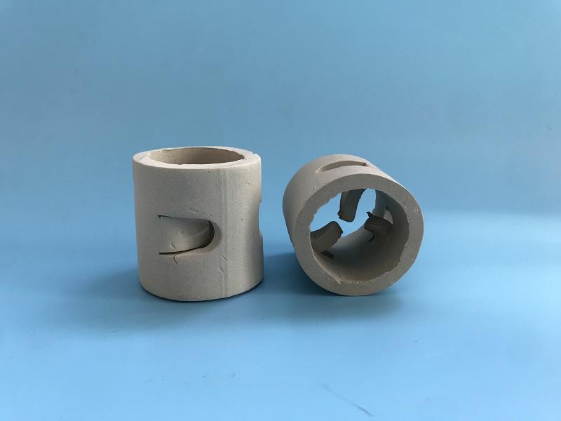 工业塔中装填陶瓷鲍尔环需要注意哪些事项